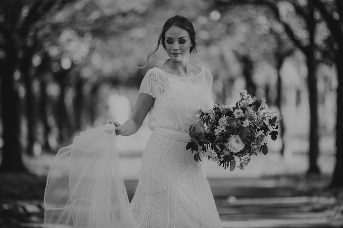 Brautmode im Stil der 20er Jahre, Tilda Knopf Brautmode