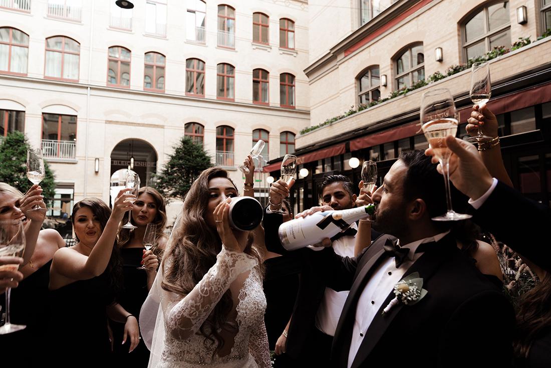 Corona Türkische Hochzeit