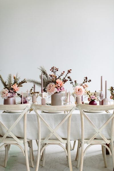 Hochzeitskonzept mit Trockenblumen