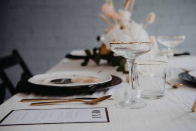 Modern Vintage: Tischdeko für die Hochzeit