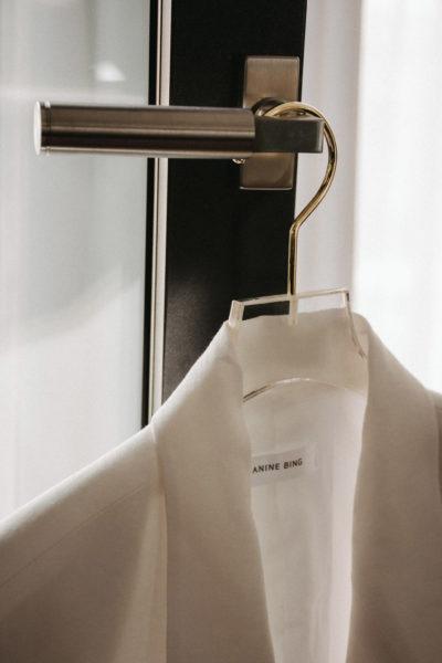 Acryl Kleiderbügel mit Goldhaken