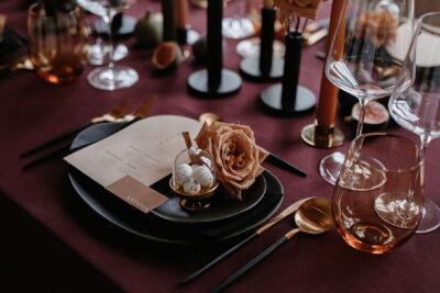 Modern Glam: Bordeaux & Black